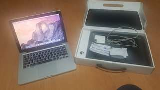 MacBook Pro w box