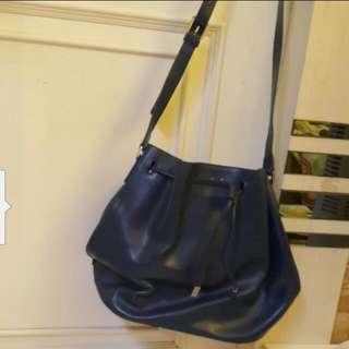 Agnis B Dark Blue Leather Handbag 90%New