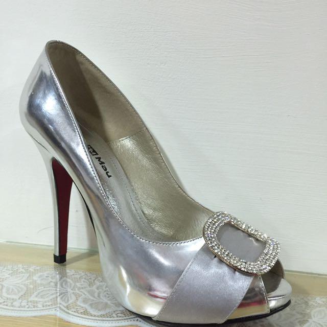 銀色高跟鞋(尺寸24)