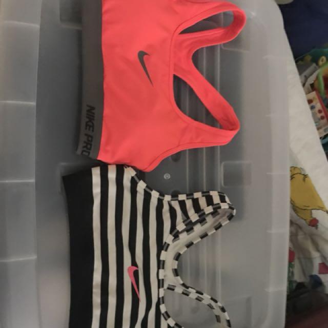 2 x Size S sports bra