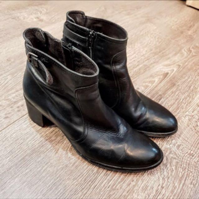 大呎碼黑短靴41.(長約27公分)
