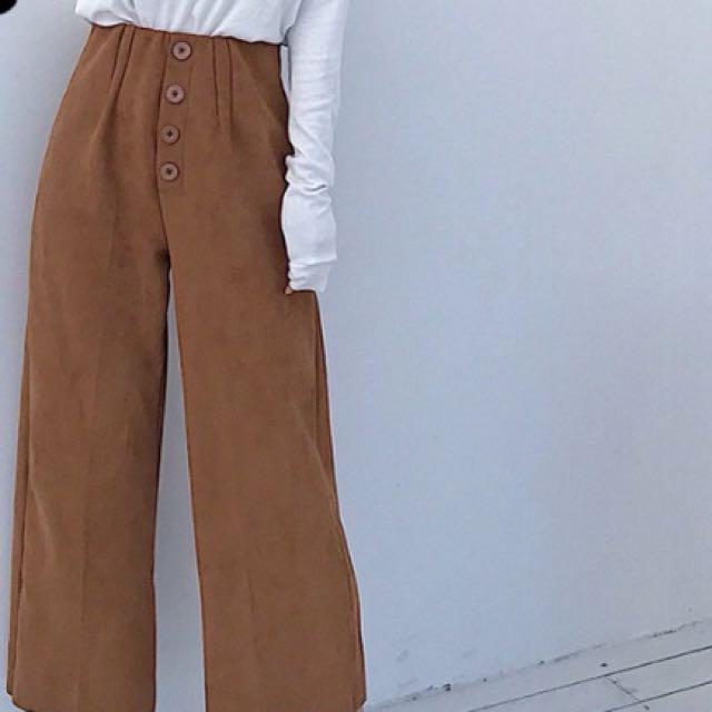 彈性排釦麂皮褲