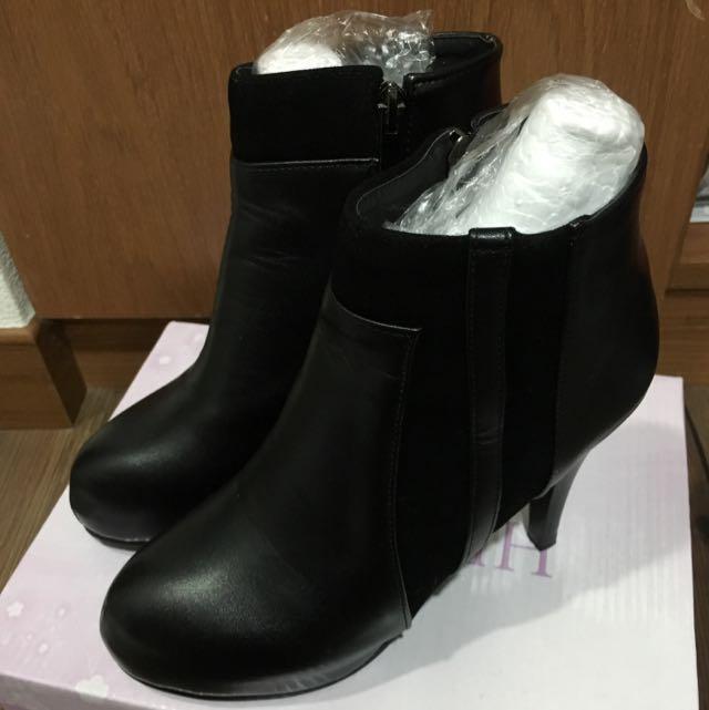 秋冬必備黑色踝靴