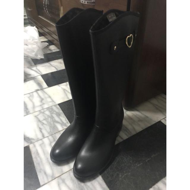 黑色皮革雨靴長靴