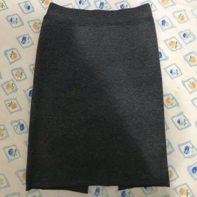 灰色針織中裙