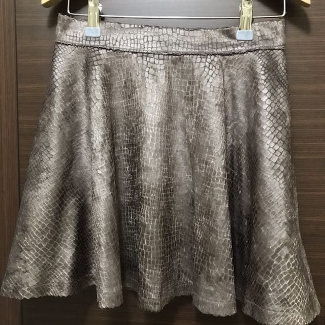 咖色蛇紋短裙