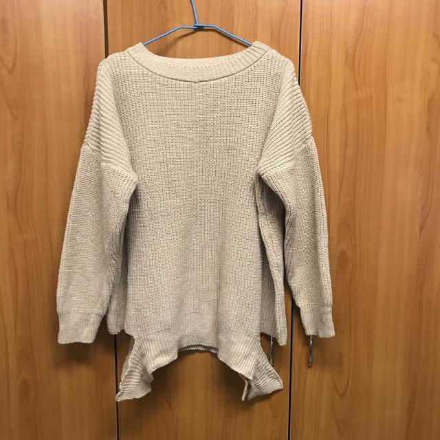 出清 全新 保暖寬鬆杏色針織毛衣 (附高領)下擺造型