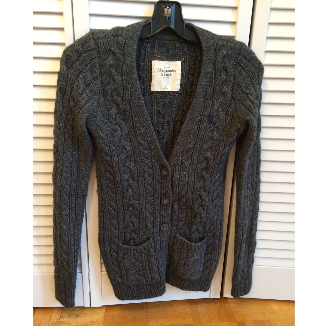 ABERCROMBIE & FITCH Flagship Collection Wool Knit Sweater - Size Small