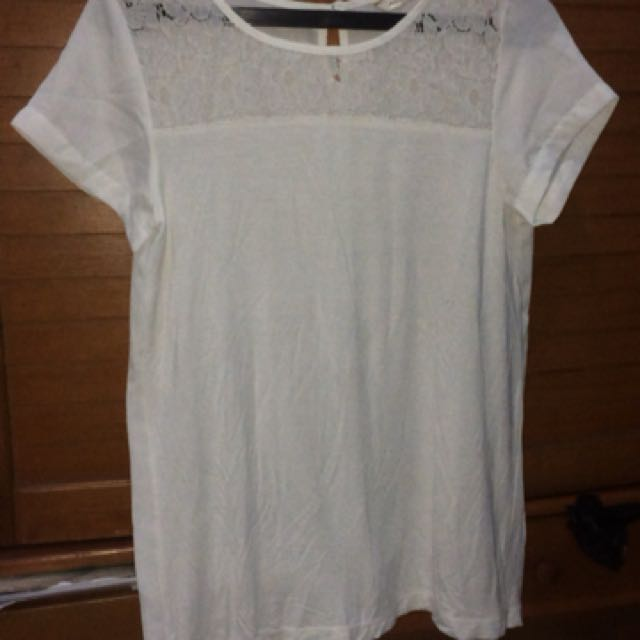 Accent tshirt size 6