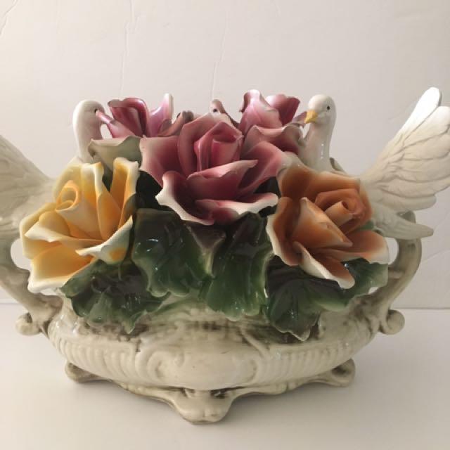 Antique Nuova Capodimonte porcelain vase