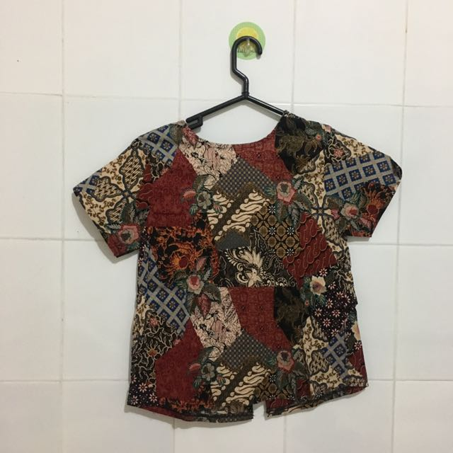 Batik ribbon's top