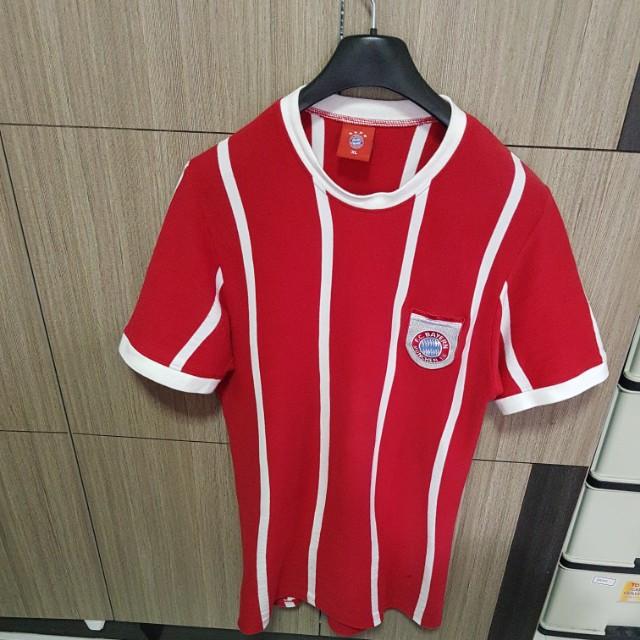 premium selection e2f38 50692 Bayern Munich Retro 70s Jersey by Gerd Muller, Sports ...