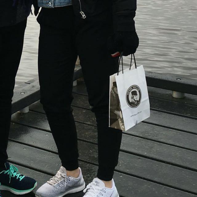 Bershka Tapered Cigarettes Pants Trousers in Black