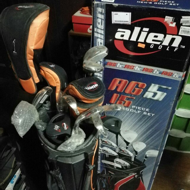 BNEW Alien Golf Set for Men