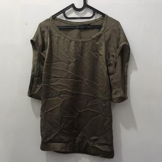 Bronze baggy top