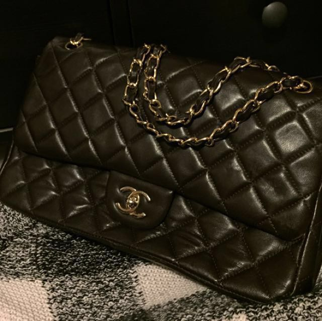 Classic Coco Chanel quilted flag hand bag