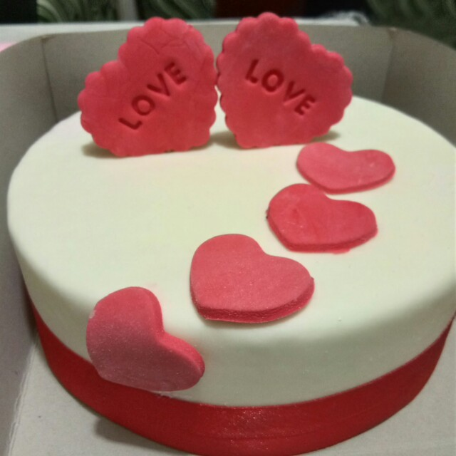 Costumized Fondant Cake (💕 Sweetest Gift to your LOVED One's)