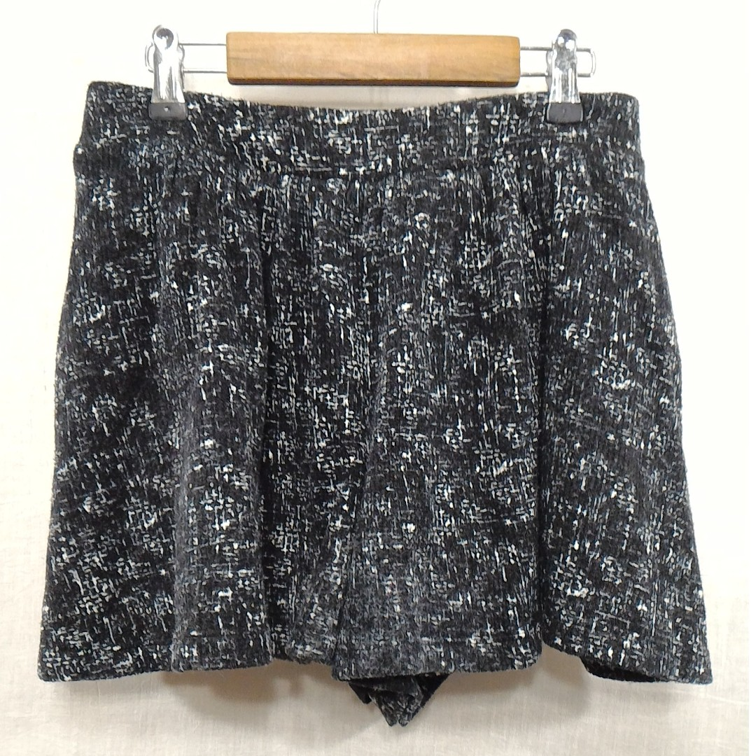 Dita黑色夾雜白色花式紗鬆緊帶波浪短褲裙