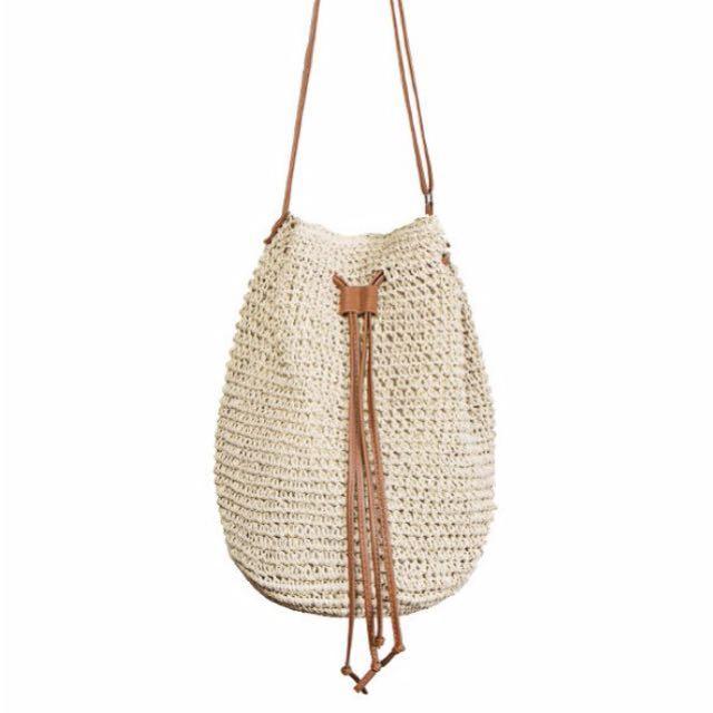 Drawstring straw bag