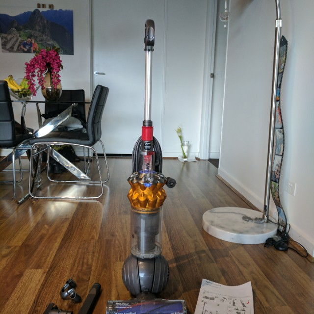 Dyson small ball multi floor vaccum cleaner