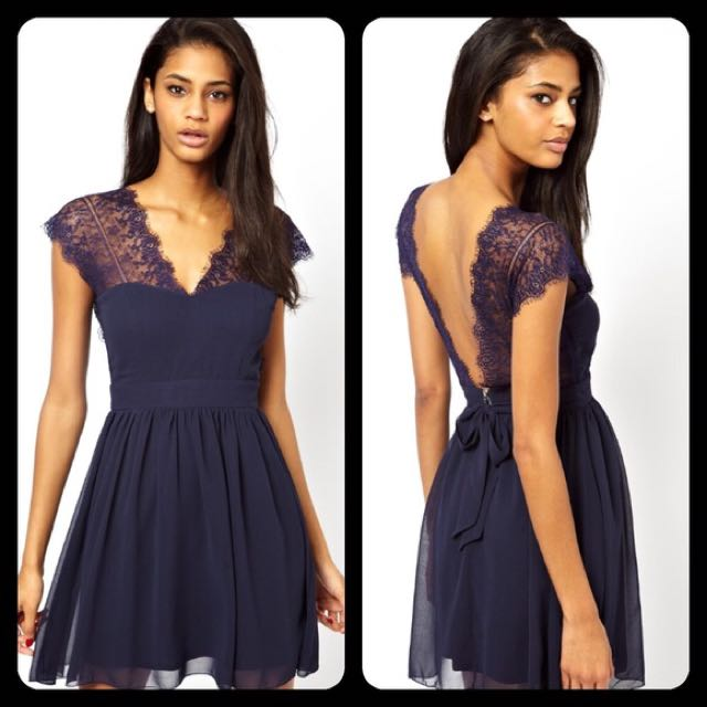Elise Ryan Navy lace dress