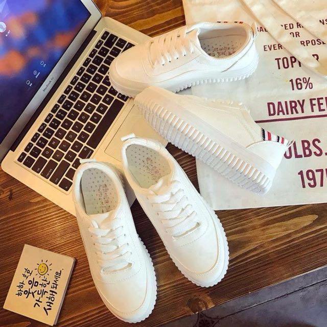 Faith White Sneakers F06
