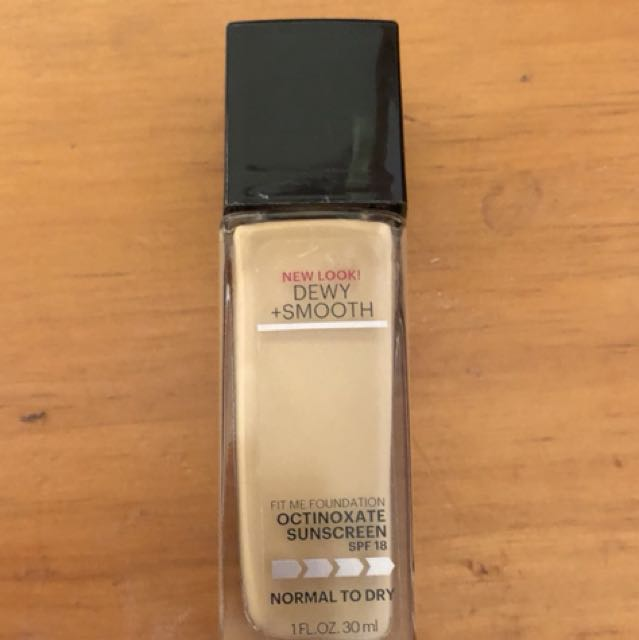 Fit me dewy and smooth foundation