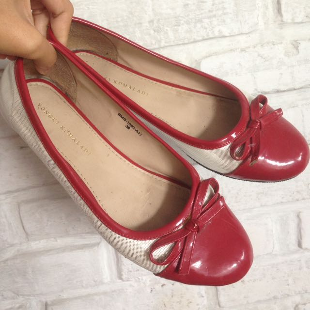 flat shoes red