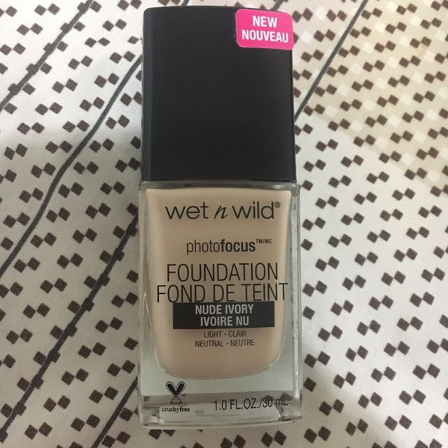 Foundation wet n wild photofocus