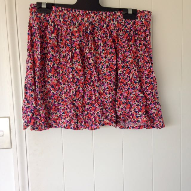 Free flowing skirt