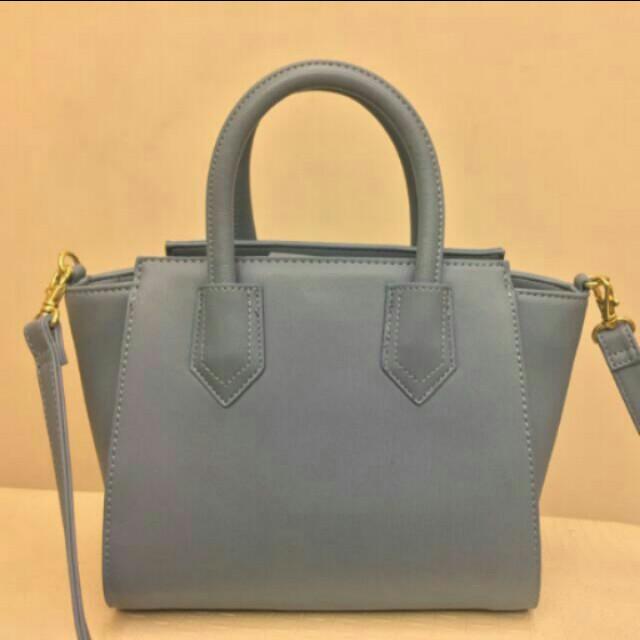 GU 霧藍色包包