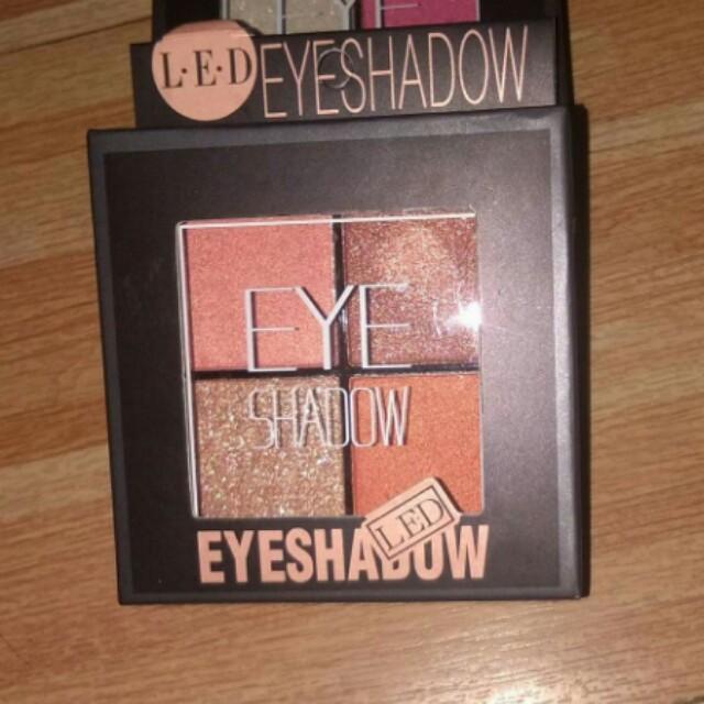Handy eyeshadow quad 4 color