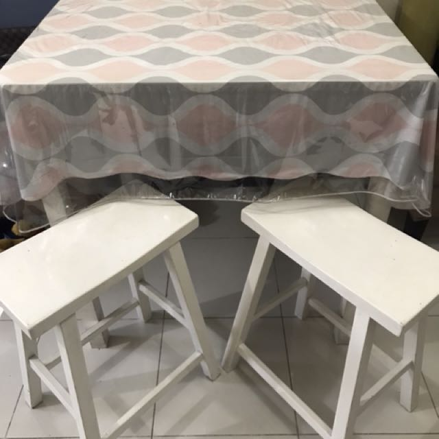 High table with 4 high stools