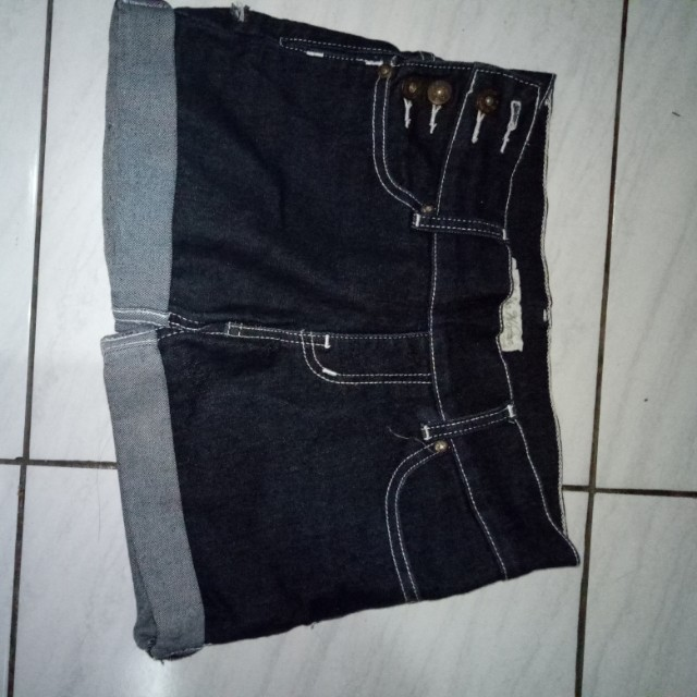 Hot pants bahan melar