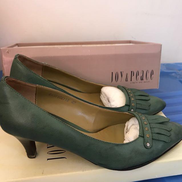 Joy & Peace green heels size 41 rrp 120
