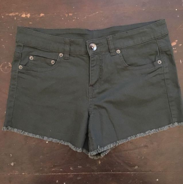 Khaki short shorts