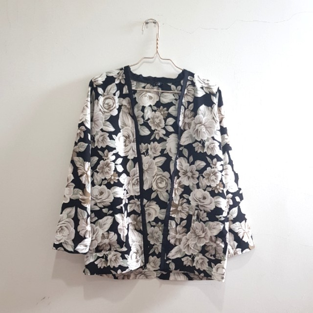 KYVA floral outer