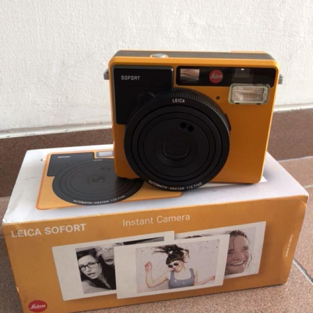 Leica Sofort Polaroid Orange