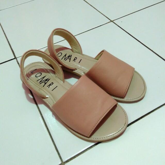 Lomari sandal pinky peach