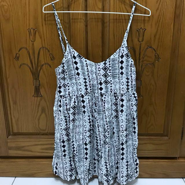 LOVFEE/幾何圖案細肩帶洋裝