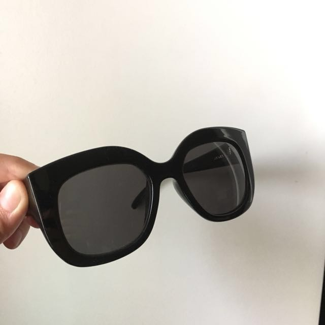 Monki <Unni> sunglasses