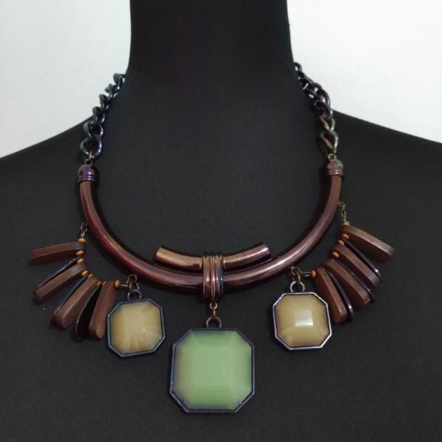 Necklace from Stradivarius