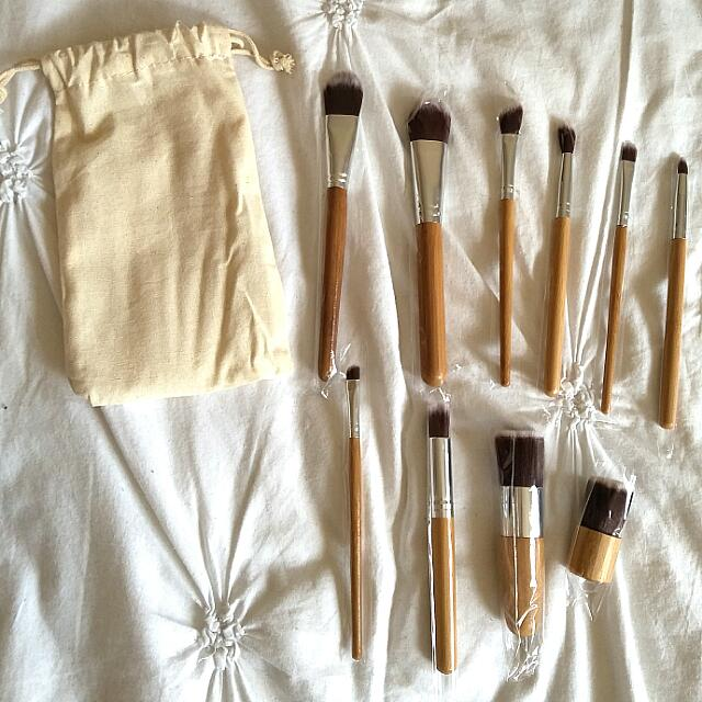 (NEW) 10PC BAMBOO MAKEUP BRUSH SET