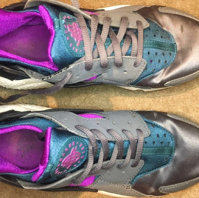 Nike huaraches teal purple mint condition Sz 8