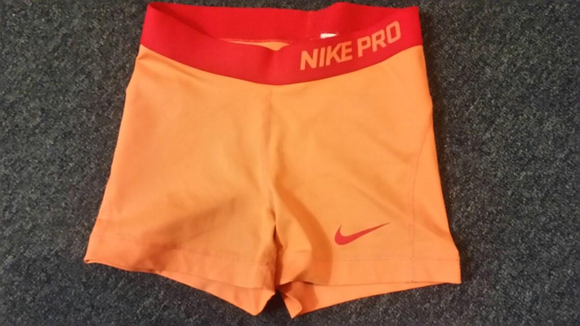 Orange Nike Pro XS
