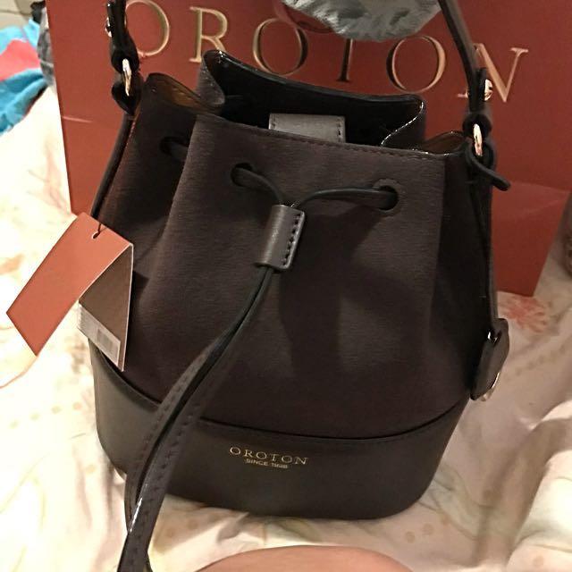 Oroton bucket bag brandnew with tag