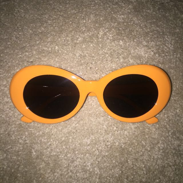 Oval Kurt Cobain Sunglasses