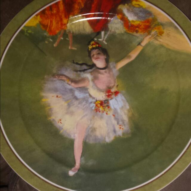 Plate with a ballerina price 166.00