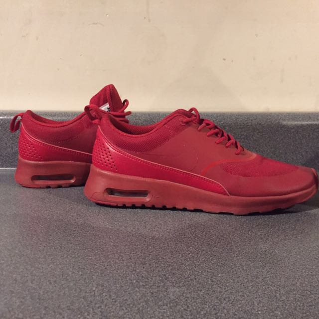 Red Nike Air Max Thea