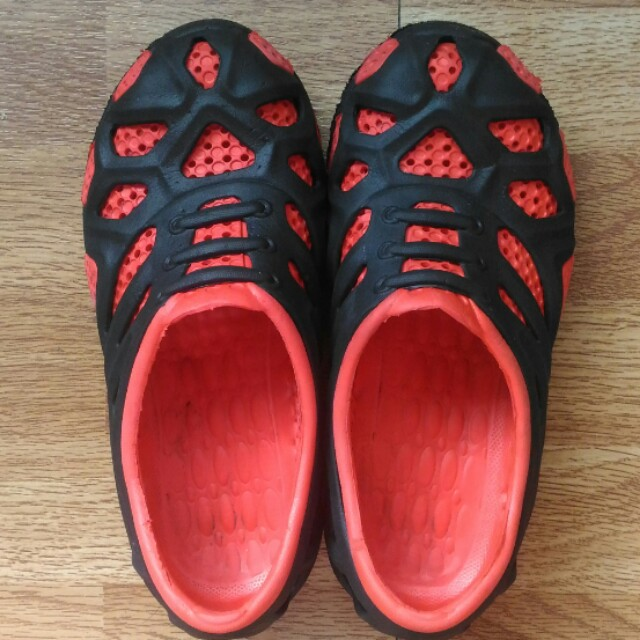 Red-black shoes